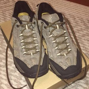 Merrell shoes size 8